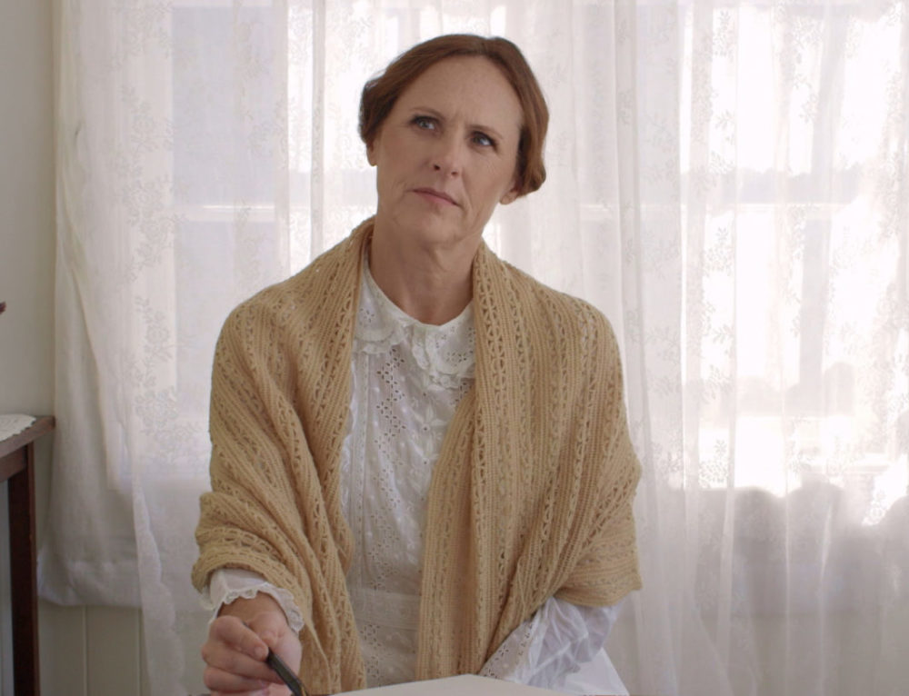 Q&A: Molly Shannon on Playing a Lesbian Emily Dickinson & Catching Gays Do Her 'SNL' Bits